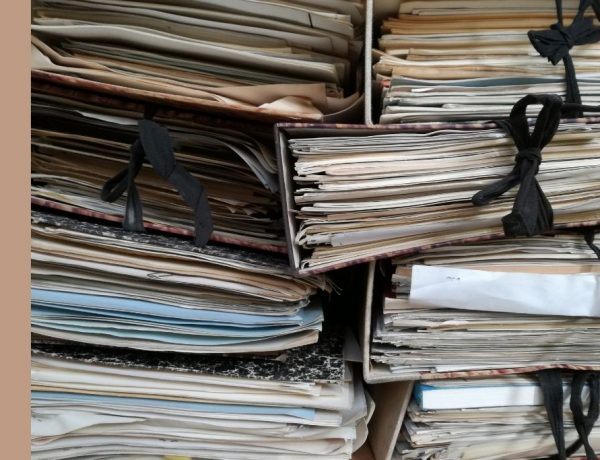 Categorieën in administratie - stapel gebonden papier - Sear Greyson