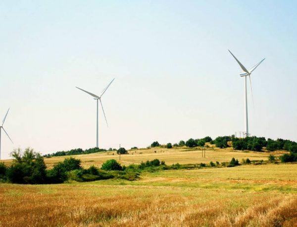 Energiemanagement - blog door Eefficiënter - foto van windmolens in landschap